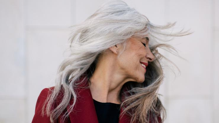 woman-with-long-gray-hair